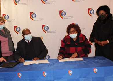 CUT and Maccauvlei Learning Academy renew MoU